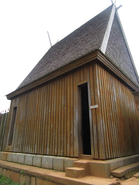 027_Tana. The Rova. Modest house built for king Andrianampoinimerina. 1787-1810.JPG