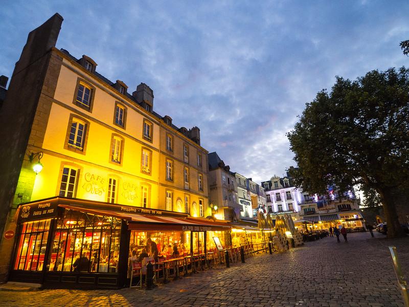 Evening in Saint-Malo, Intra Muros