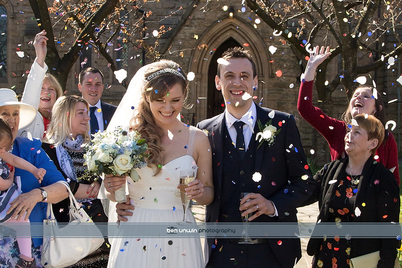 Manchester wedding confetti photography