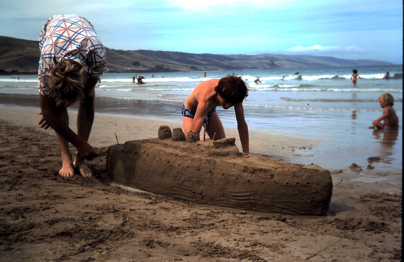1977-1 (21) Graham & David 13 yrs 1 mth building sandcastles @ Apollo Bay.JPG