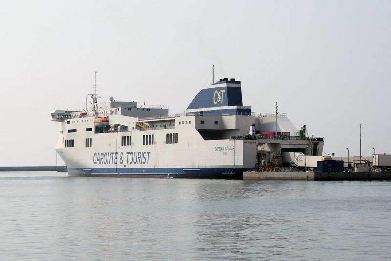 2009 - F/B CARTOUR GAMMA disembarking in Salerno.