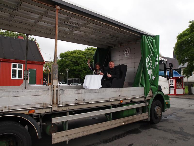 Sølvbryllup på ladet af en lastbil. Foto- Martin Bager-7181674.jpg