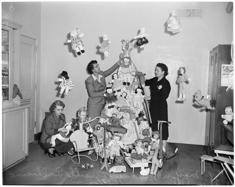 1953, Christmas Dolls