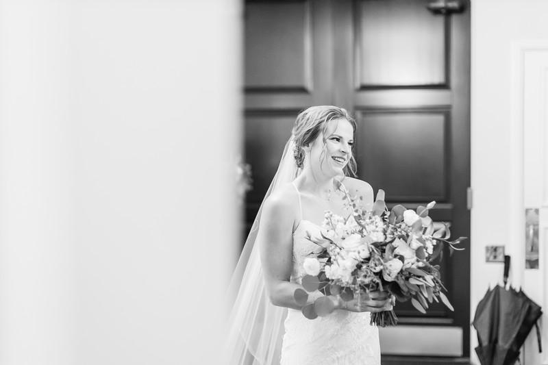 116_Ryan+Hannah_WeddingBW.jpg