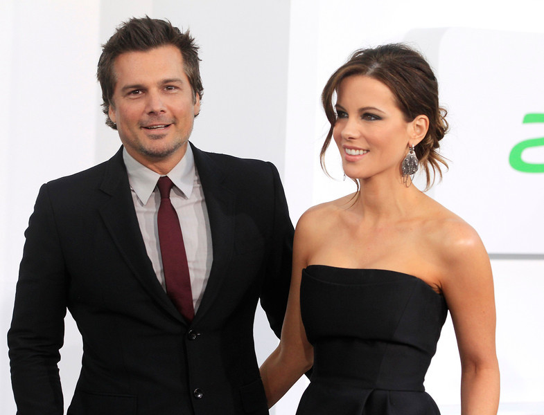 """. Actress Kate Beckinsale arrives as a guest with husband Len Wiseman at the premiere of \""""Star Trek Into Darkness\"""" in Hollywood May 14, 2013. REUTERS/Fred Prouser"""