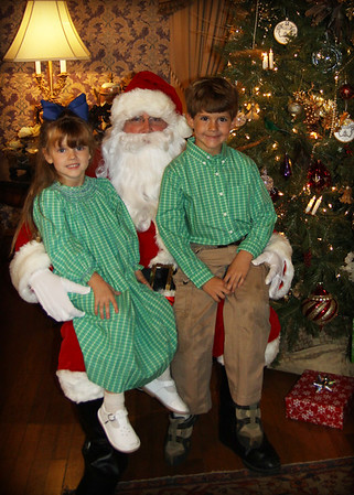 Pictures with SANTA!!