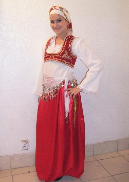 Aida Begović is KUD SEVDAH member since 2002. She was born in Landsberg, Germany.
