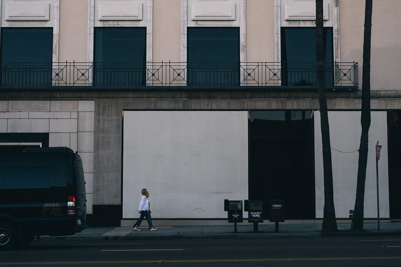 AlikGriffin_XT2_35mm_f1.4_BeverlyHills_Street-1.jpg