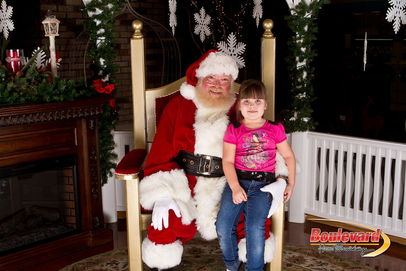 Santa Dec 15-182.jpg