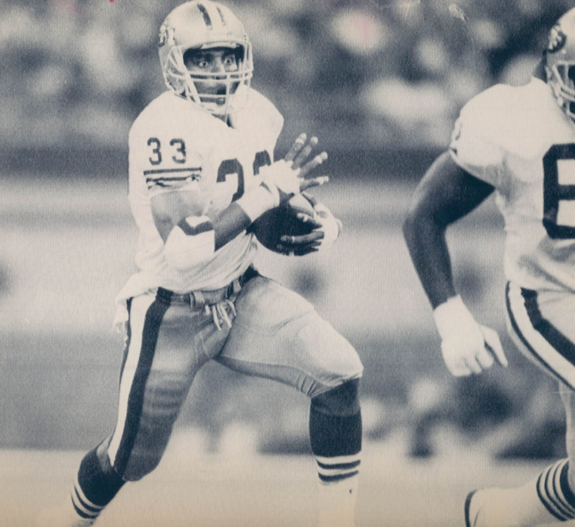 . JAN 29 1990 - Roger Craig off and running in first qt drive for San Fran. (Damien Strohmeyer/The Denver Post)
