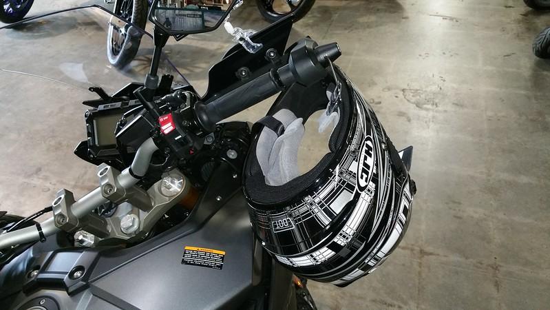Lidlox Item 1047 on a Yamaha FJ09