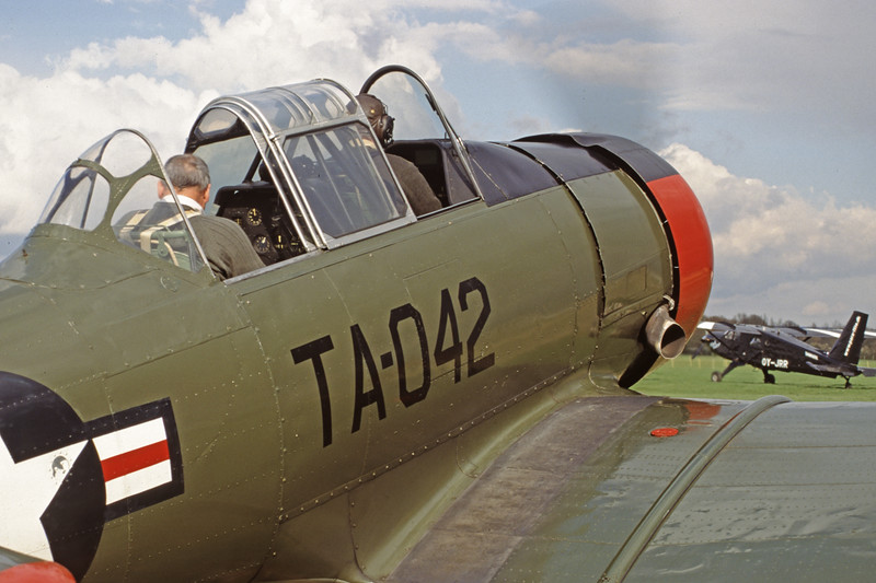 G-BGHU-NorthAmericanT-6GTexan-Private-EGKH-2000-03-26-GY-26-KBVPCollection.jpg