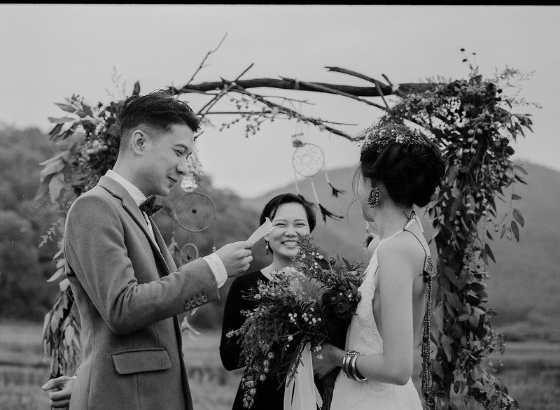 Tu-Nguyen-Destination-Wedding-Photography-Elopement-Vietnam-Pali-Louis-w-113b.jpg
