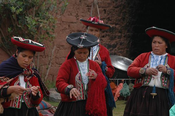 Mayan Weavers, Peru