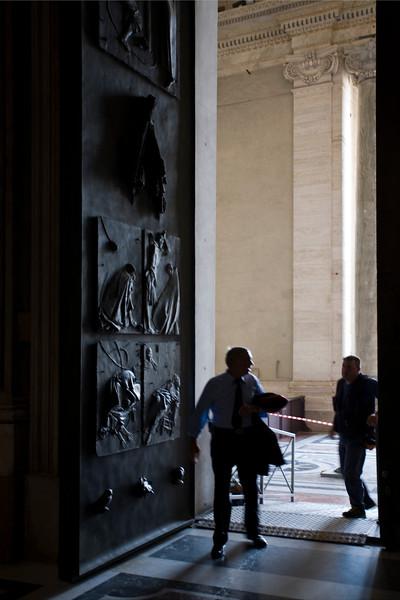Sain Peter's basilica doorway, Vatican