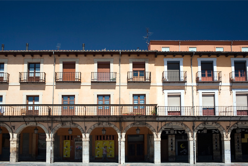 Arcade and traditional houses, Plaza Mayor (Main Square), town of Leon, autonomous community of Castilla y Leon, northern Spain
