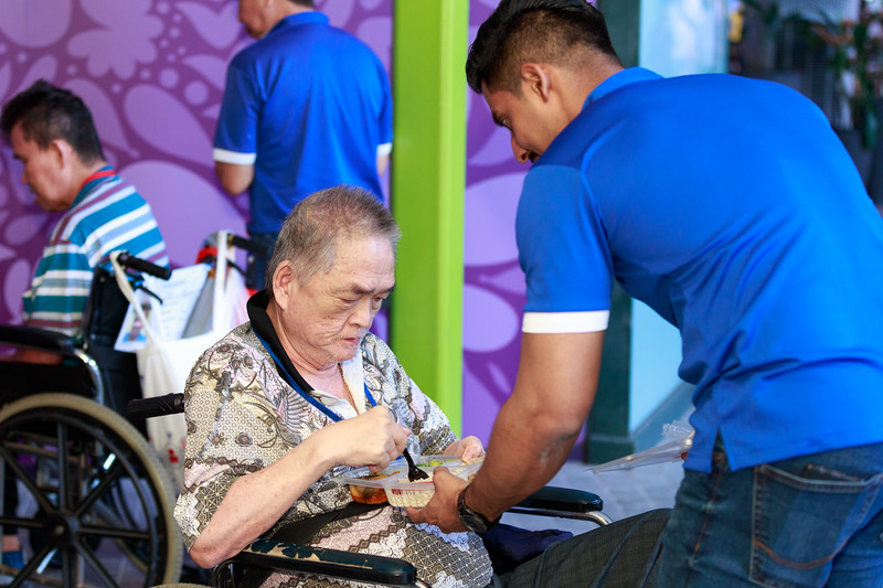 VividSnaps-Extra-Space-Volunteer-Session-with-the-Elderly-098.jpg