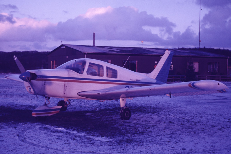 OY-TOI-PiperPA-28-140Cruiser-Private-EKVB-1986-01-16-BU-01-KBVPCollection.jpg