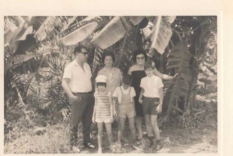 Casal Gastão, esposa Pica, Tona Pica e Jorge e João Gastão