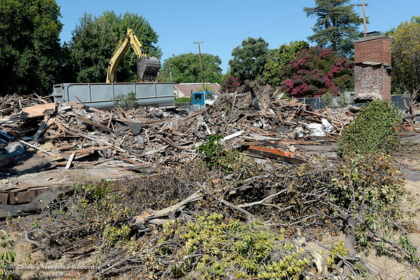 Demolition at CSUC and Warner St. 7-18-2018