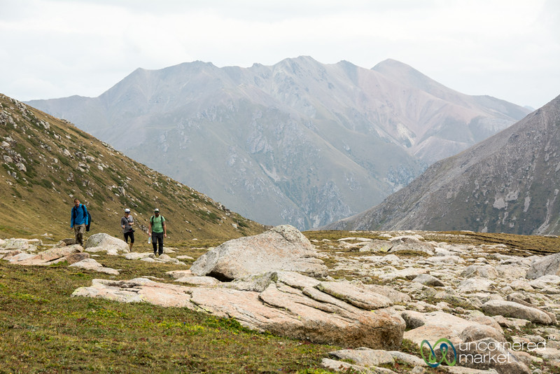 Jyrgalan Trek, Climbing to Alpine Lake - Kyrgyzstan