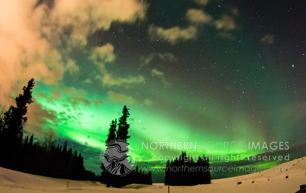 2013-03-09 Fisheye Aurora vs Clouds