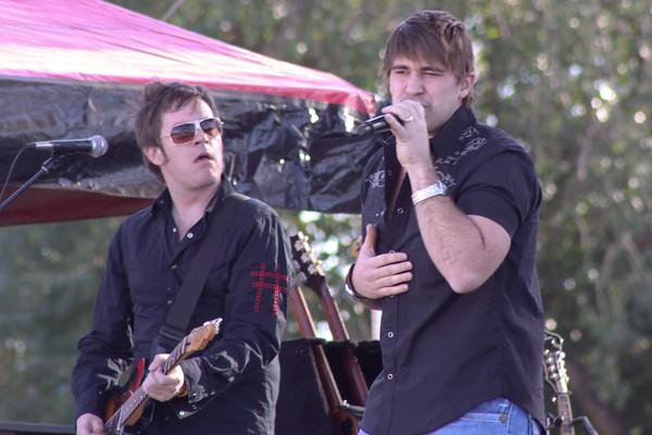 Josh Gracin and  Phil Vasser at Busch Garden