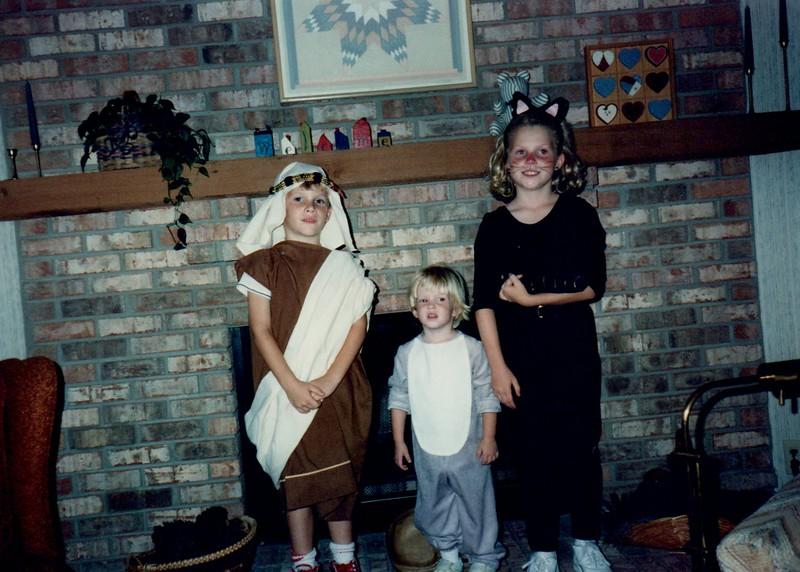 1989_Fall_Halloween Maren Bday Kids antics_0013.jpg