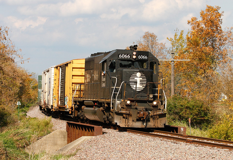 Illinois Central 6066 (EMD SD40-2) - Jackson, WI