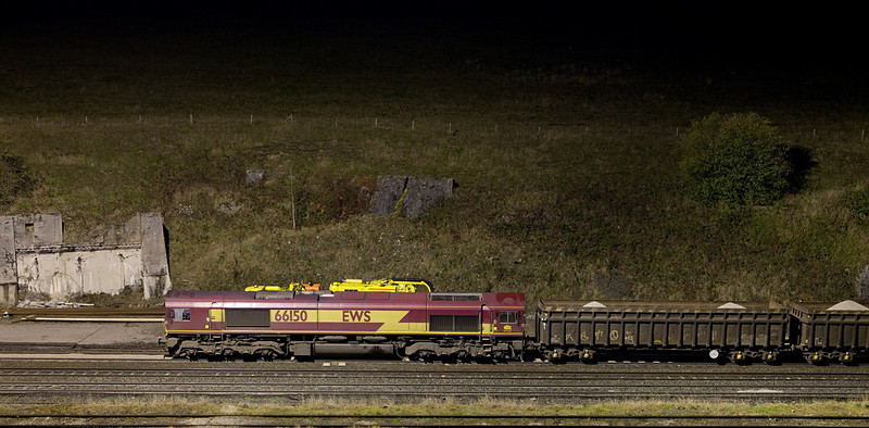 EWS 66150 shunting at night in Peak Forest South.
