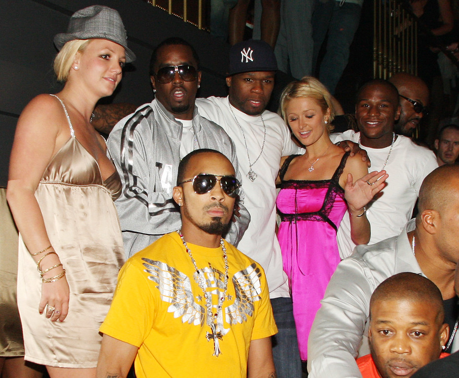 """. Britney Spears, Sean \""""Diddy\"""" Combs, 50 Cent, Paris Hilton and Floyd Mayweather Jr. attend the 50 Cent record release party at The Hard Rock Casino on Sept. 8, 2007 in Las Vegas, NV on Saturday Sept. 8, 2007.  The Hard Rock is celebrating Rolling Stone Magazine\'s 40th Anniversary during MTV Video Music Awards weekend. (AP Photo/Chris Polk)"""