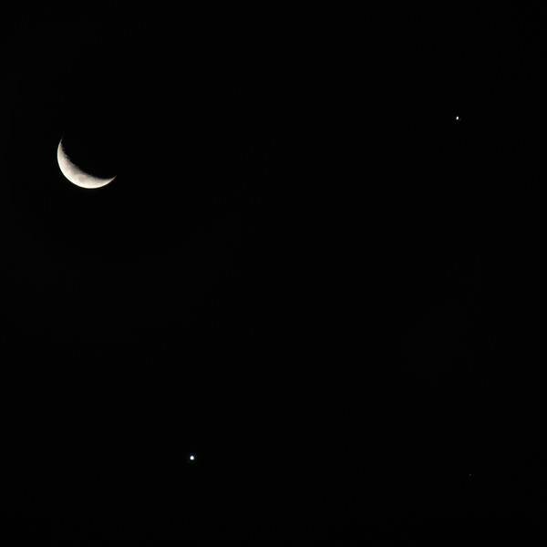 Conjunction of The Moon, Jupiter and Saturn - 19/11/2020 (Processed 2-stack)