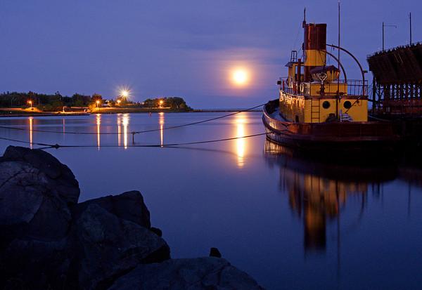 July 12, 2009 Moonrise over Agate Bay