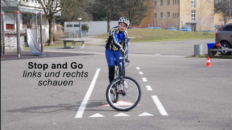 Stop and Go - links und rechts schauen.wmv