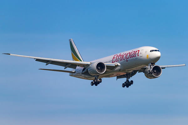 ET-AQL - Boeing 777-260/LR