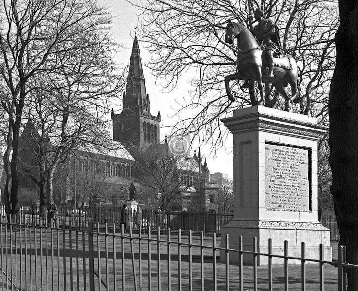 Willielmus III Britannarum Rex and the Cathedral.   March 1975