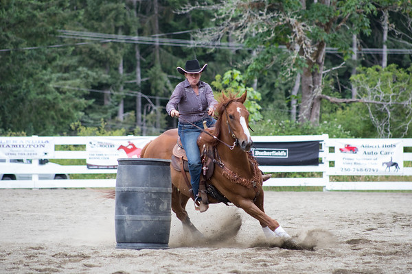 Vimy Horse Show June 2018 - Barrels