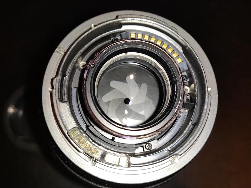 Leica R 35mm–70mm 2.8 Vario-Elmarit-R ASPH Converted Canon EOS Boxed - Serial 3839244 012.jpg