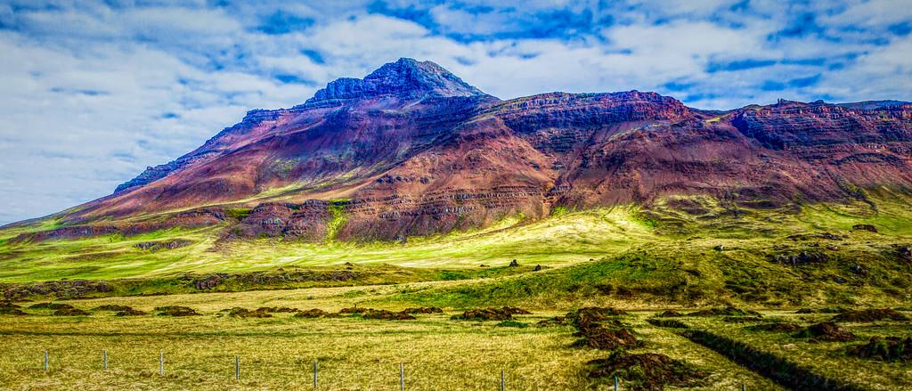 冰岛风采,迎面的山体