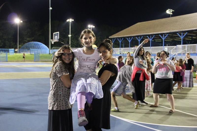 kars4kids_thezone_camp_GirlsDivsion_Smiling (600).JPG