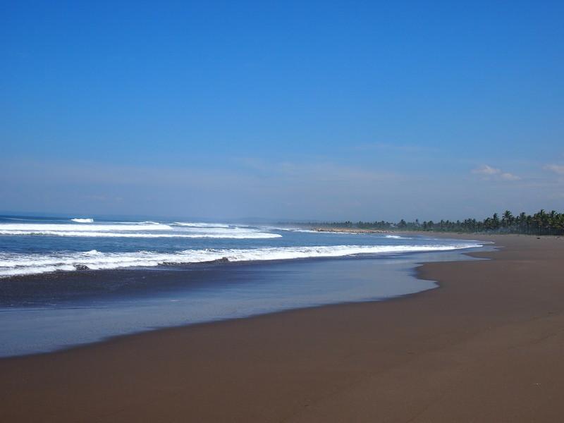 P4096541-empty-beach.JPG