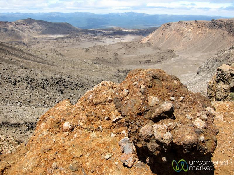Trekking to Mordor (aka, Tongariro Crossing) - New Zealand