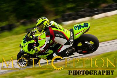 Race 15 - 750 Superbike Exp & Nov