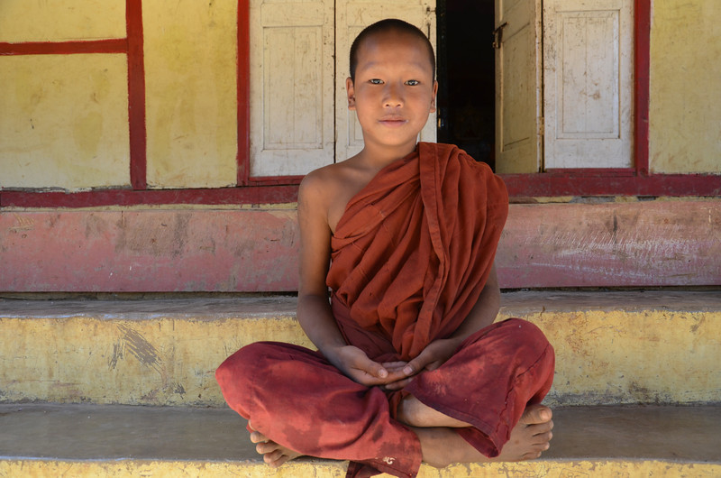 DSC_4184-boy-monk.JPG