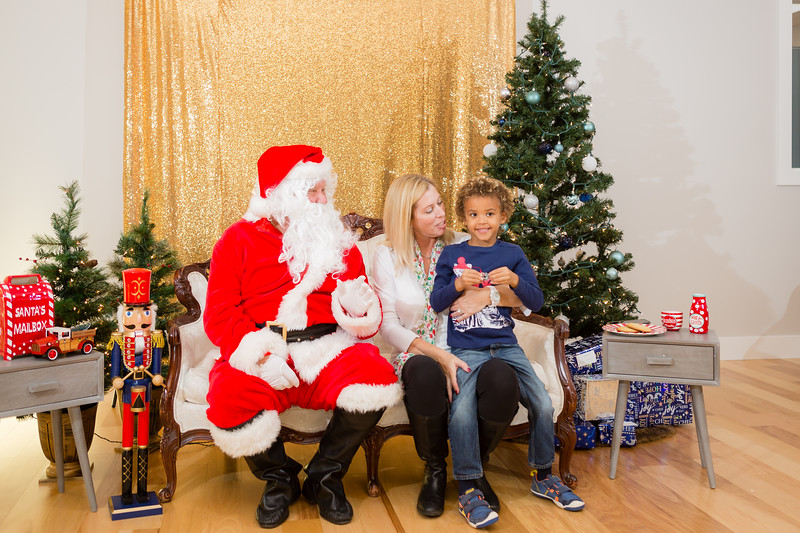 FADS Picture with Santa-199.jpg