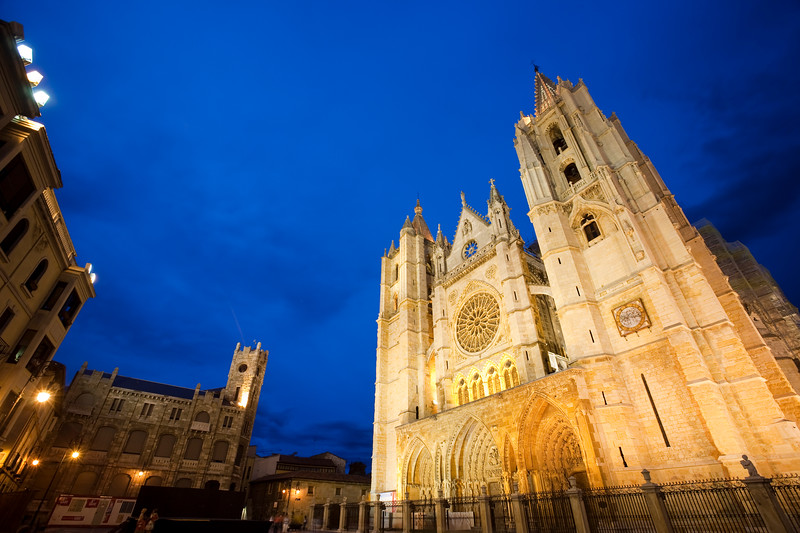 The Gothic cathedral at dusk, town of Leon, autonomous community of Castilla y Leon, northern Spain