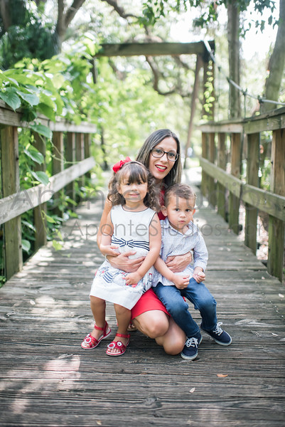 Sarynex Vazquez family