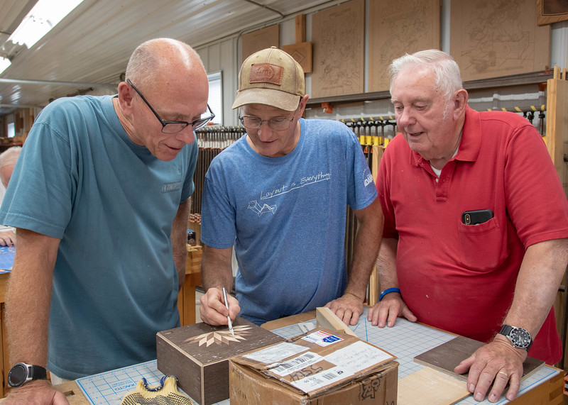 Make a Decorative Veneered Memento Box with Doug Dale and Marc Adams