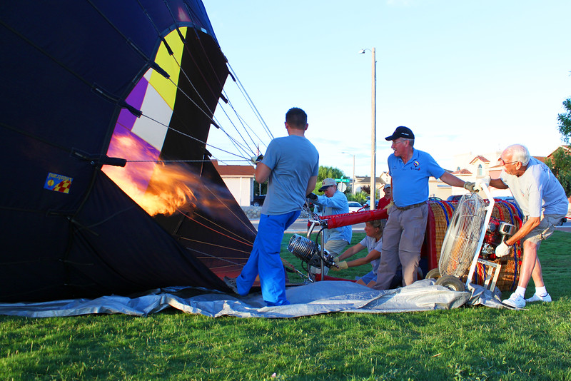 IMG_8170 heating the balloon.jpg