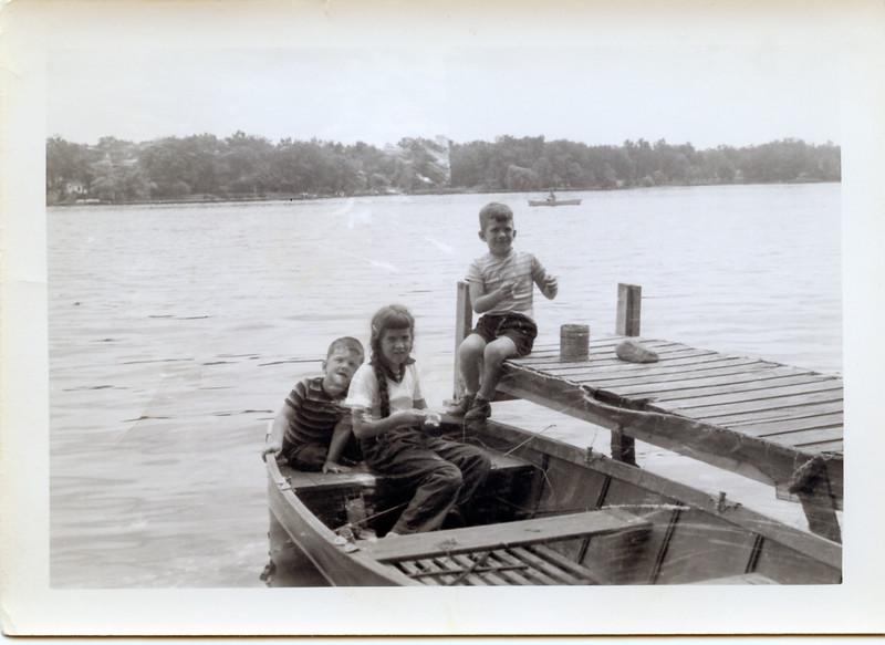 1952-08 John & Greg Ricca and Arliss Manson.jpg